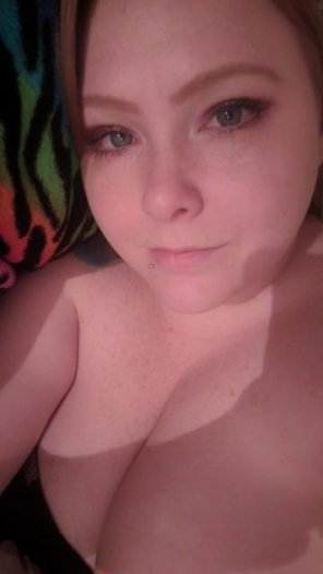 amateur photo Rainy days are made for nude snuggles~