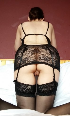 amateur photo Suspender dress rear pussy