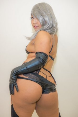 amateur photo Black gloves, big booty
