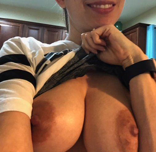 Flashing Boobs to make you Wild for sure - [F] Porn Photo