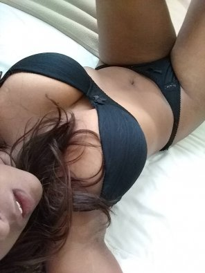 amateur photo Waiting in my bed for my daily rutine