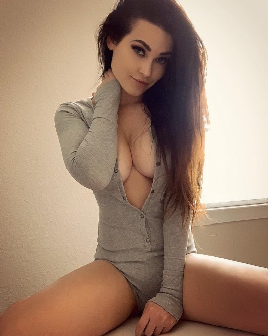 Niece Waidhofer Porn Photo