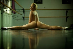 amateur photo Naked splits