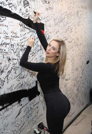 amateur photo Iliza Shlesinger
