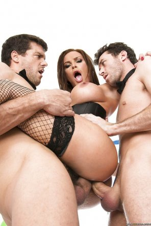 amateur photo Diamond Foxxx and 2 dudes