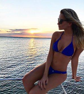 amateur photo PictureBlue bikini