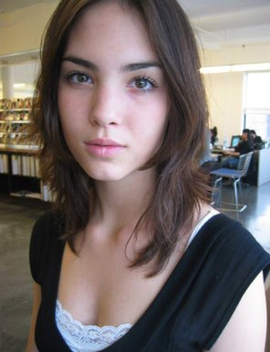 amateur photo PictureLibrary girl