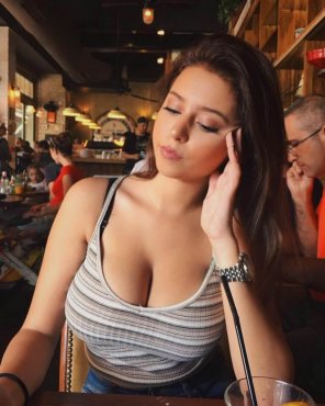 amateur photo Date has cleavage