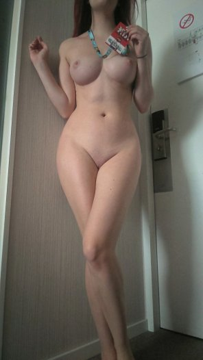 amateur photo I'm still here in London, where are you all hiding? [F] ;)