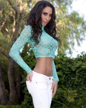 amateur photo White pants and a turquoise top