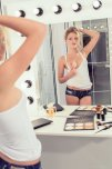 amateur photo Monique in the mirror