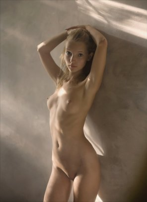 amateur photo Tiny Blonde