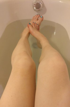 amateur photo I took a nice bath after a long workout ;)