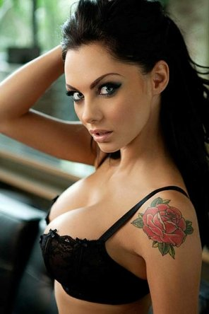 amateur photo Jessica Jane Clement