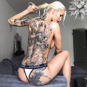 amateur photo Inked german blonde