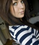 amateur photo Hot chick with lip piercing