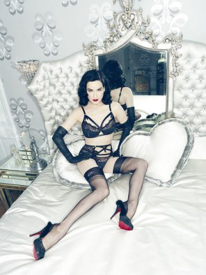 amateur photo Dita on Cushion Hearts