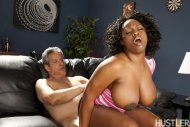 amateur photo Jada Fire found a good place to sit