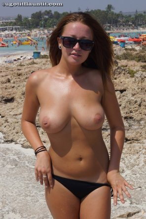 amateur photo Beach girl