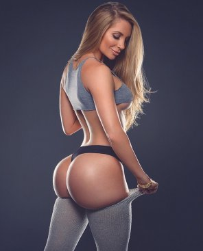 amateur photo Amanda Lee Ready To Work Out