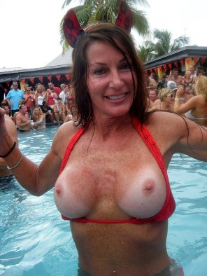 amateur photo Mature, fake titties at a pool party