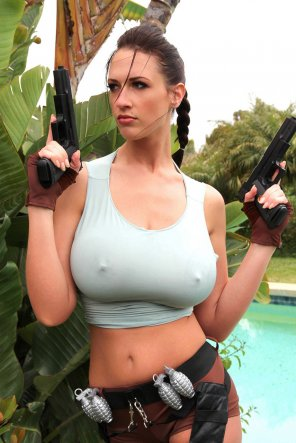 amateur photo Lara Croft cosplay