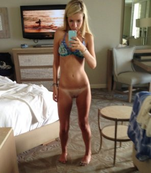 amateur photo Blonde in hotel room!