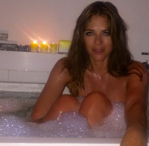 amateur photo Elizabeth Hurley