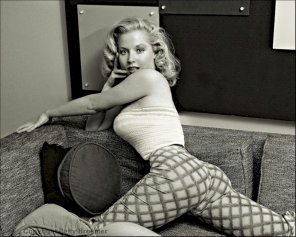 amateur photo Betty Brosmer, 1950's fitness and pinup model
