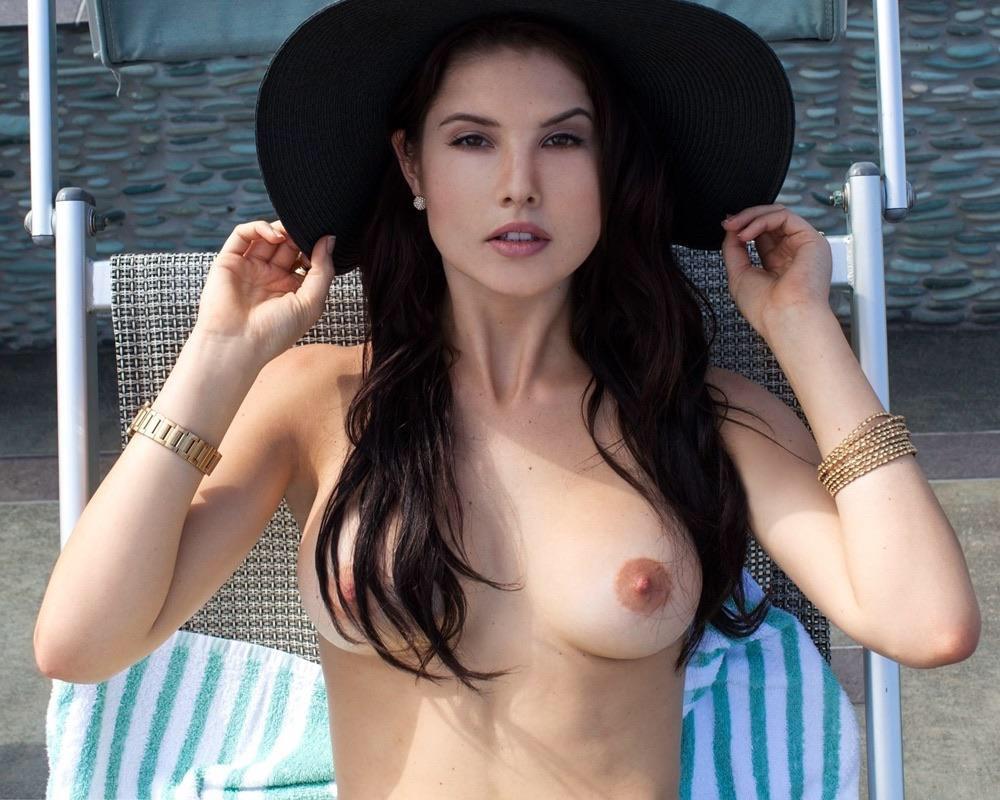 Pornos cerny Amanda Cerny