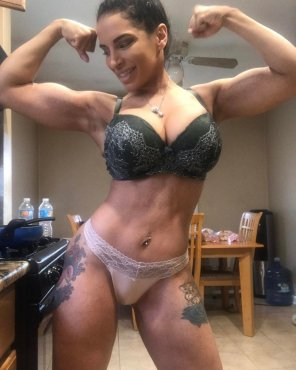 amateur photo Showing her flex