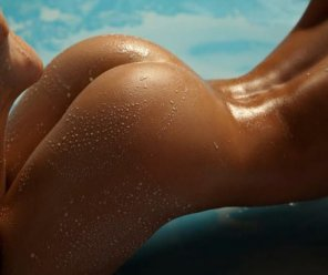 amateur photo Wet and tan