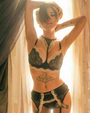 amateur photo Giorgia Soleri, ragazza sexy con tatuaggi