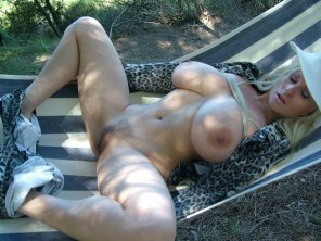 amateur photo Spreading in a hammock