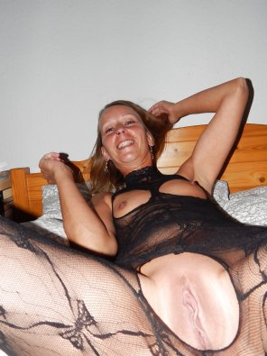 amateur photo http://xhamster.com/user/German_GothicLady