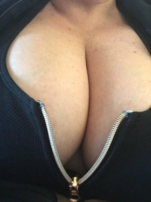 amateur photo Unable to keep the zipper up!