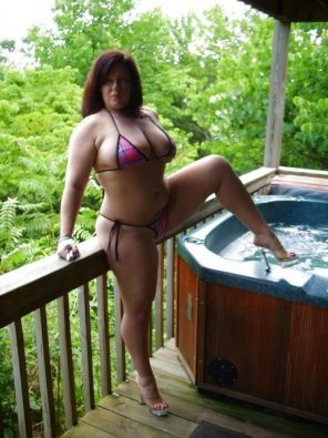 amateur photo Bikini hottie ready for the hot tub
