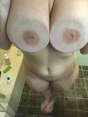 amateur photo Shower Glass Tits