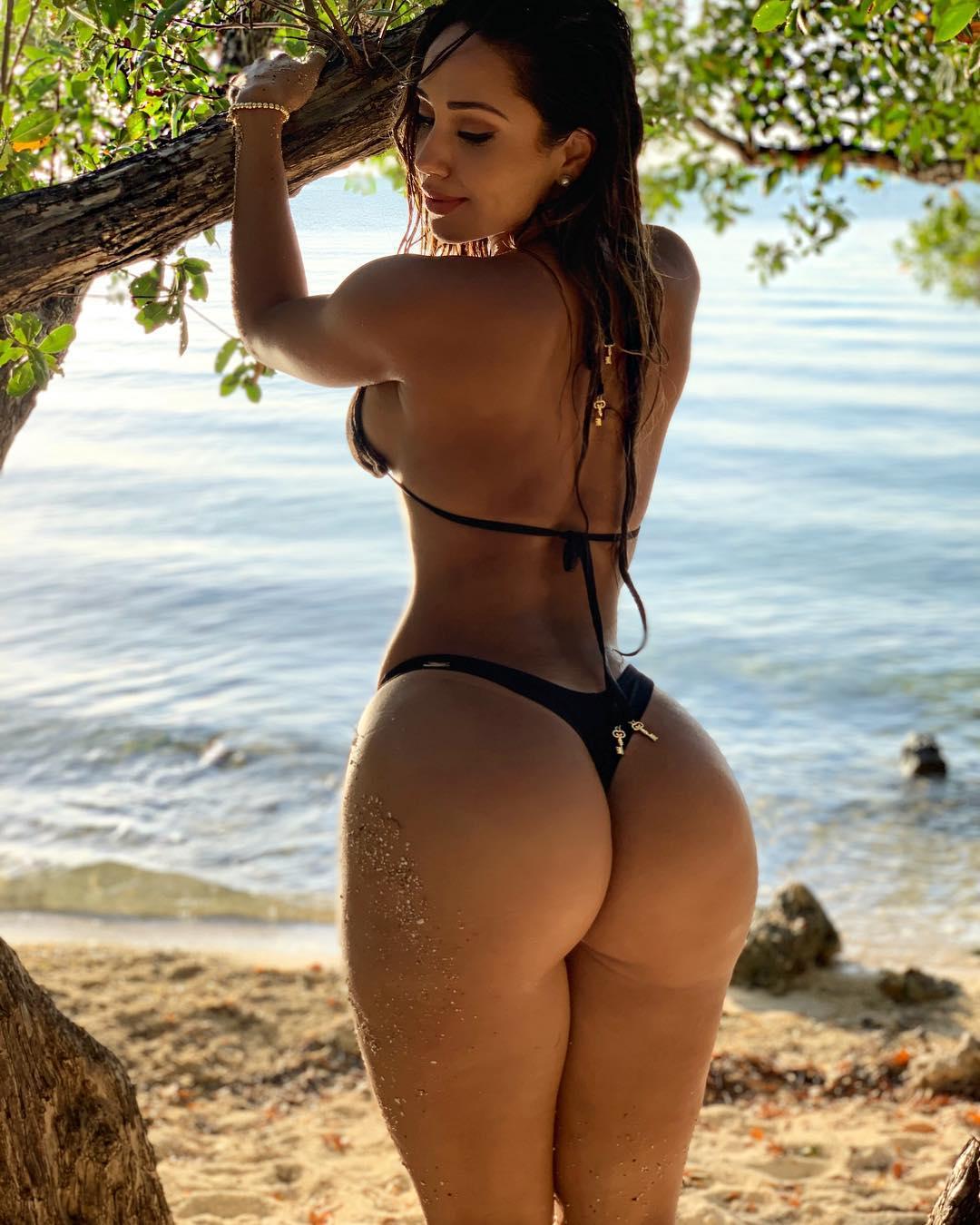 Alvarez Nude