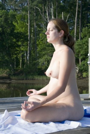 amateur photo Christian Preggo MILF meditating. 1 MIC + link to entire album.
