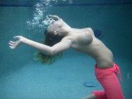 Underwater boobs