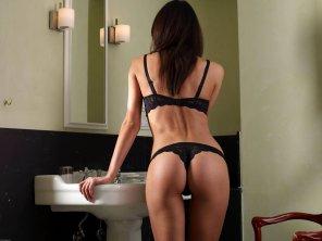 amateur photo Orsi In The Bathroom