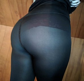 amateur photo The leggings I wore today were a bit see through, I hope everyone enjoyed the show