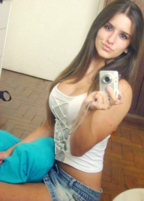 Pretty brunette Porn Photo