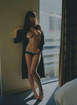 amateur photo Hotel room hottie