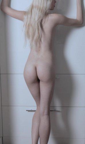 amateur photo Frisking position :P