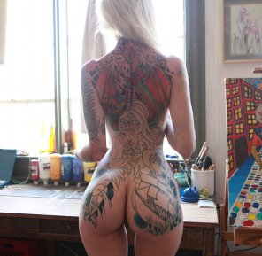 amateur photo Cute ass with tats to match