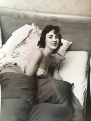 amateur photo My Girlfriend's grandma in 1949