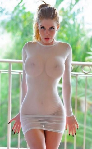 amateur photo See-through!