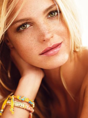 amateur photo Erin Heatherton